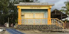 beach hut in Saint-Leu