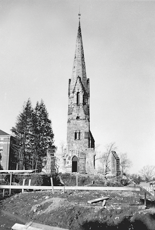 Stearns Steeple after the demolition of the surrounding church in 1949, shortly before the construction of the Mead. Buildings and Grounds Collection, Amherst College Archives & Special Collections.