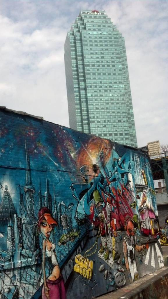 5 Pointz and Skyscraper