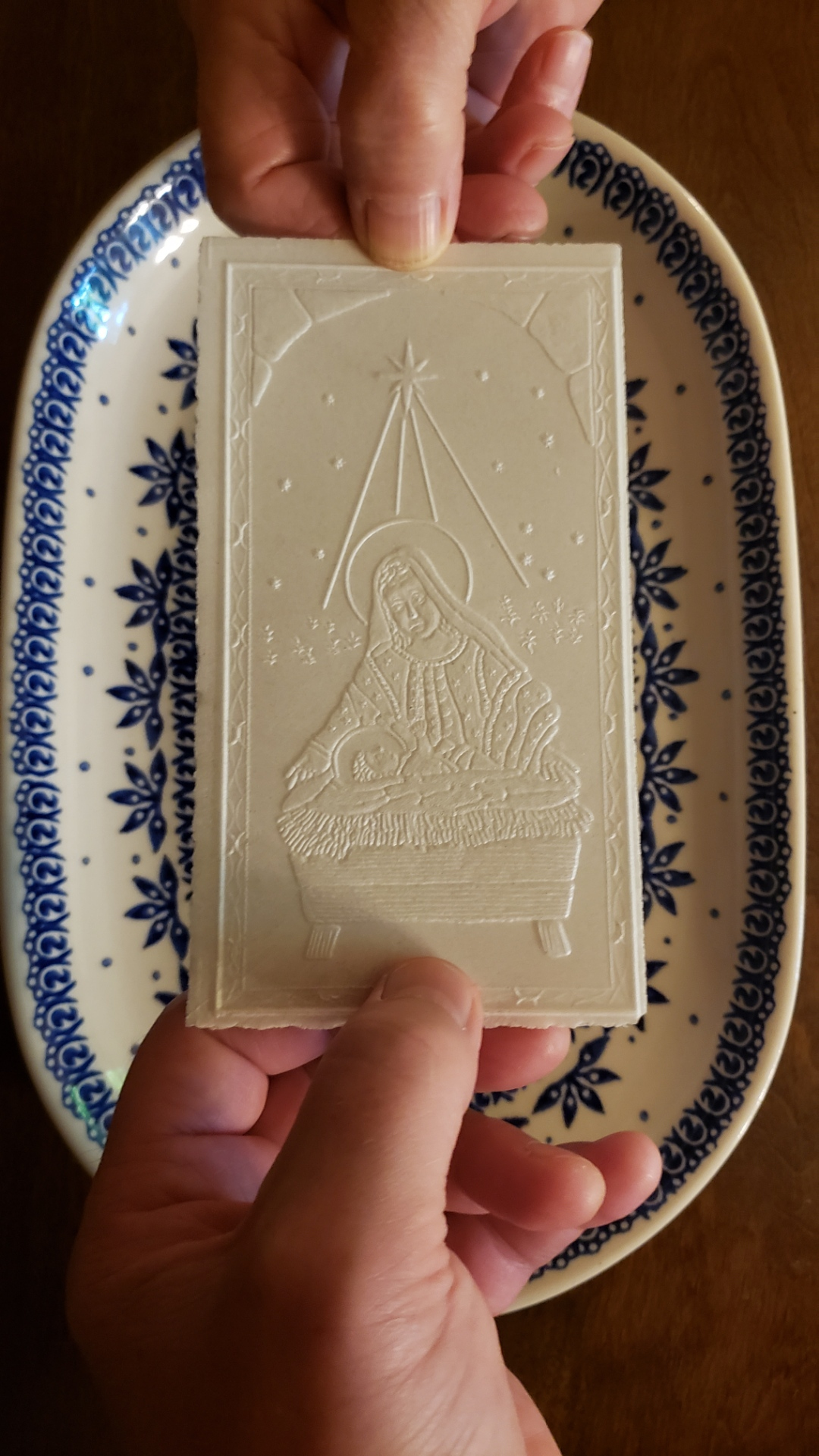 Opaletk wafer intricately depicting Mary and Jesus