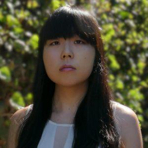 Image of Elly's headshot.