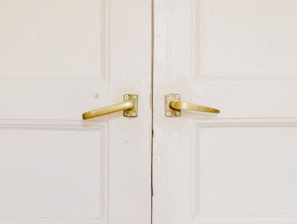 Picture of a white door